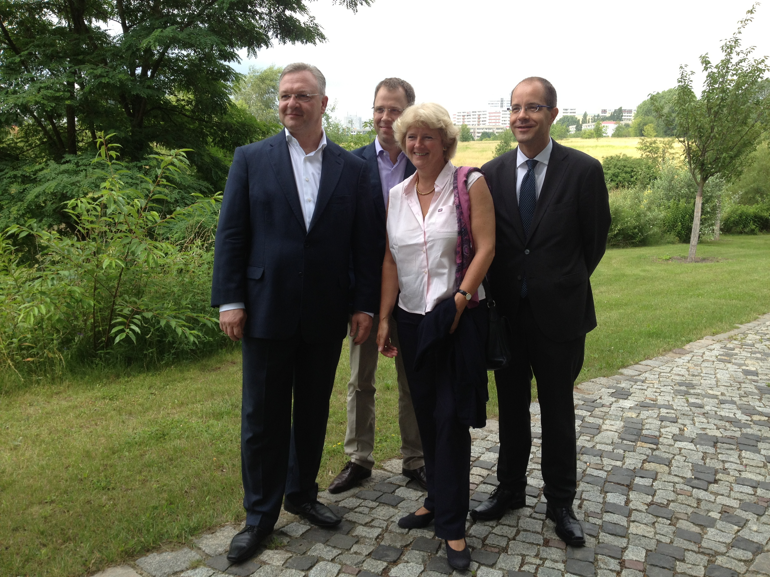 Frank Henkel, Mario Czaja, Monika Grütters und Christian Gräff im Erholungspark Marzahn