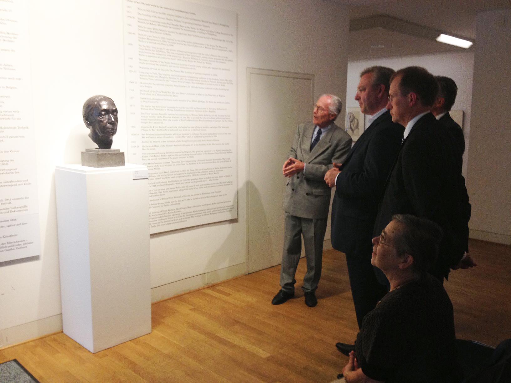 Frank Henkel besucht das Käthe-Kollwitz-Museum