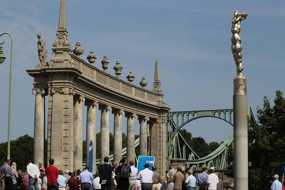 Die Glienicker Brücke. Symbol der Teilung.