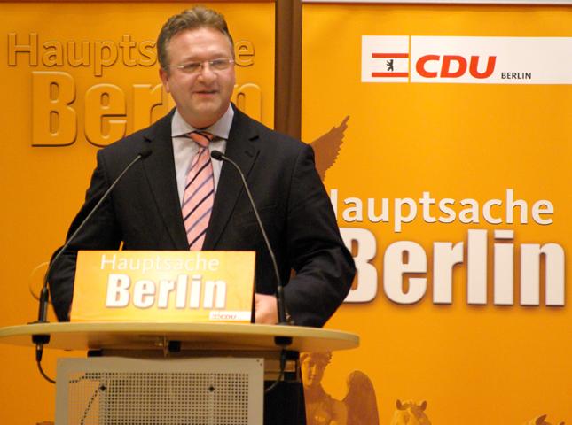 Am Donnerstag, den 16. Februar 2006 war der designierte Spitzenkandidat der Berliner CDU für die Abgeordnetenhauswahl am 17. September, Friedbert Pflüger, zu Gast auf dem Neujahrsempfang der LSU-Berlin in der Vertretung des Landes Hessen beim Bund.